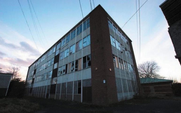 Former north leamington school homes plan granted the for Modern homes leamington