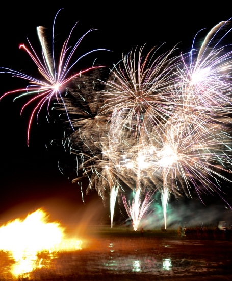 Aliens and astronauts go free at Warwick bonfire event