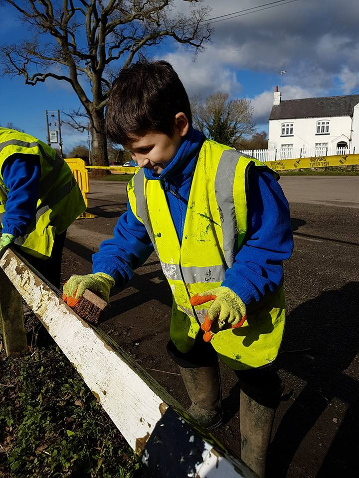 Youngsters Join Canal Diy The Leamington Observer
