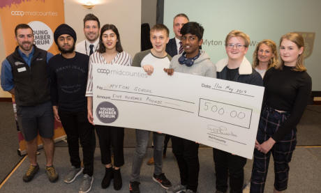 Young waste warriors in Warwick bag £500 for cause